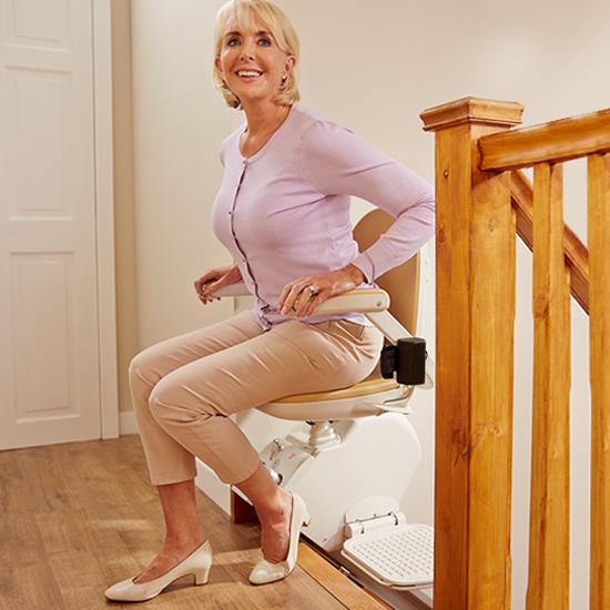Monte Escaliers Confort Plus Acorn Droit Pivoté