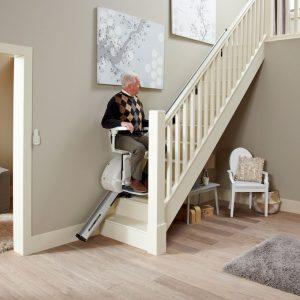 Monte Escalier Thyssenkrupp droit confort plus homeglide levant en utilisation