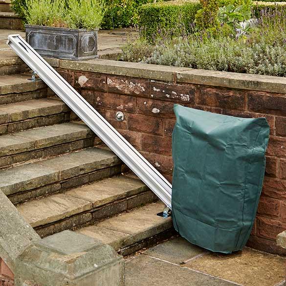 housse de protection monte escalier exterieur